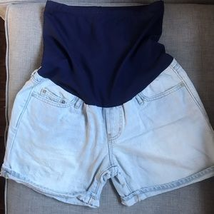 Gap maternity sexy boyfriend shorts 27 bump band